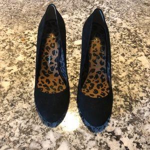 Size 8 Jessica Simpson Suede Heels.